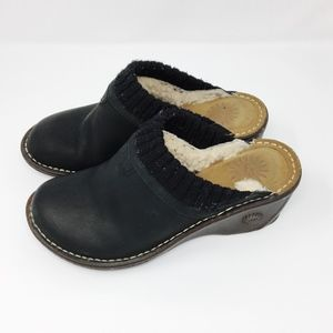 UGG Gael Black Suede Leather mules/clogs